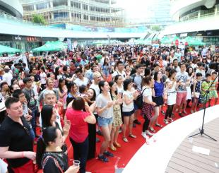 Thousands Crowd Day 1 of Foodie Fest, More to Come Sunday
