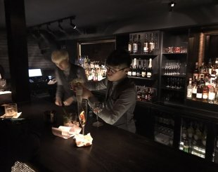 R Good Bait Hopes to Lure Sanlitun Socialites with Jazzy Ambiance, Deftly Mixed Cocktails