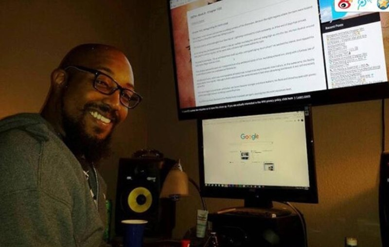 US Man Credits Chinese Web Novels for Curing His Addiction