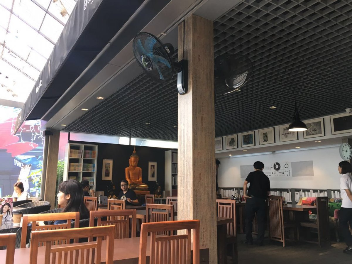 Roof Café: Cheap Coffee and All the Signature Dishes of ...
