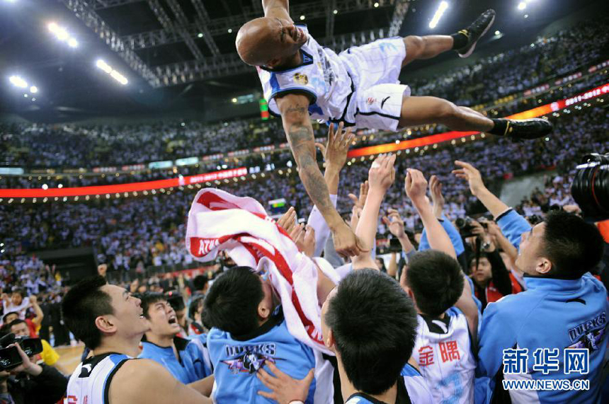 Stephon Marbury to Stay with Beijing Ducks through 2017