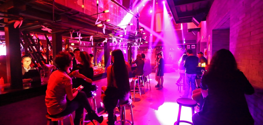 8MM: Sanyuanqiao's In The Club