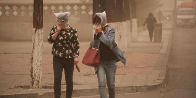 R Sandstorm Warning Issued for Beijing