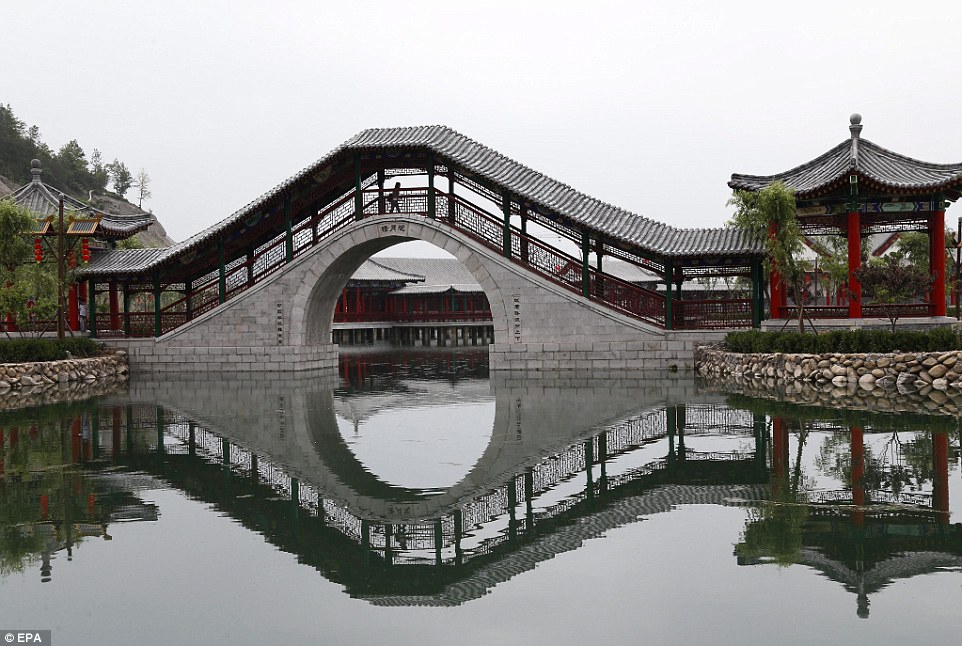 Replica of Beijing Old Summer Palace Opens at Hengdian Film Studio in Eastern China
