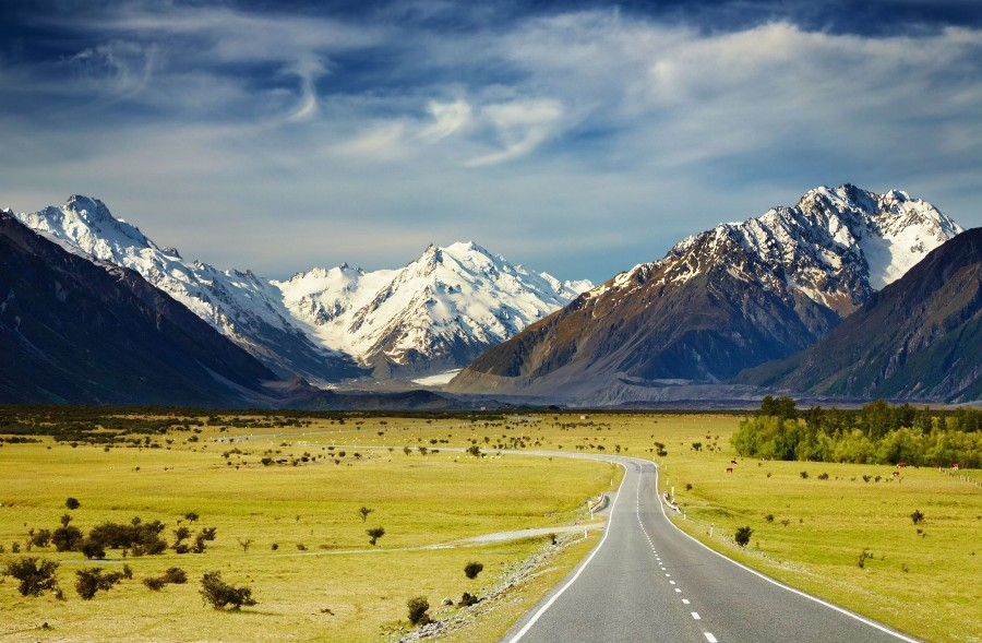 China Expanding or Building 90 Airports, China Eastern to Fly to New Zealand