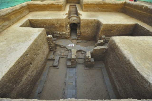Over 1,000 Ancient Tombs Discovered at Construction Site in Tongzhou