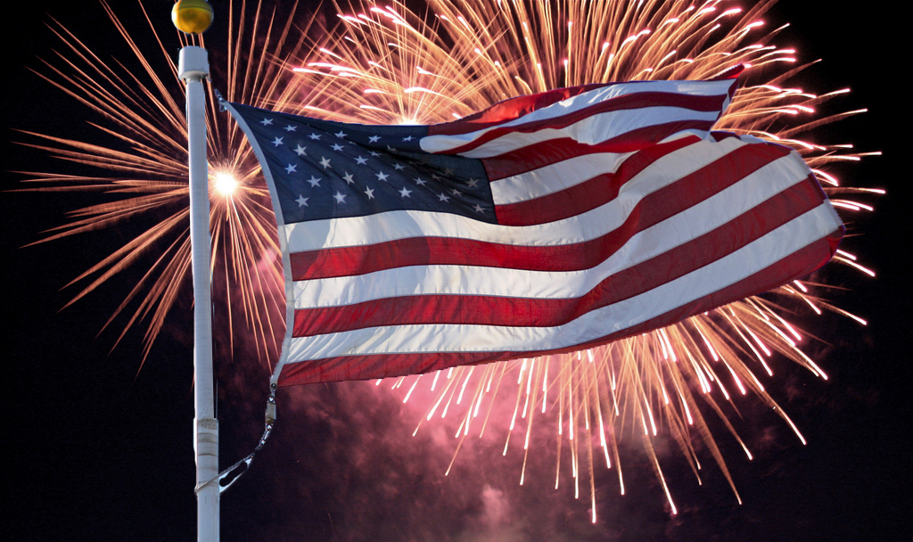 534aefd564935 Celebrate the Star-Spangled Banner at These Independence Day Parties ...