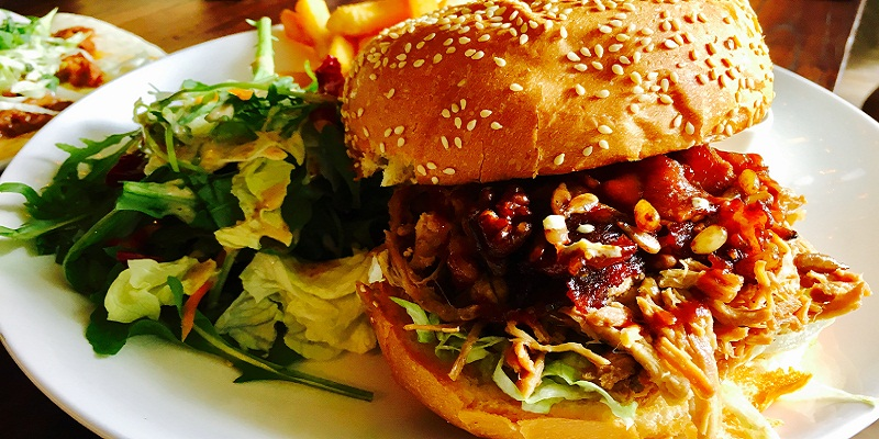 Newly Opened Li Burgerwich's Take on Burgers and Mexican Dishes