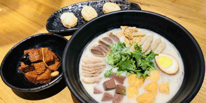 Affordable Jiangsu-Style Baozi, Noodles and Canteen Vibes at Jiangnan Snacks, COFCO Plaza