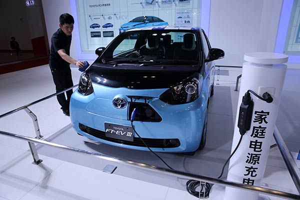 PKU Deep Dive: Will Electric Cars Really Make a Dent in the City's Pollution Problem?